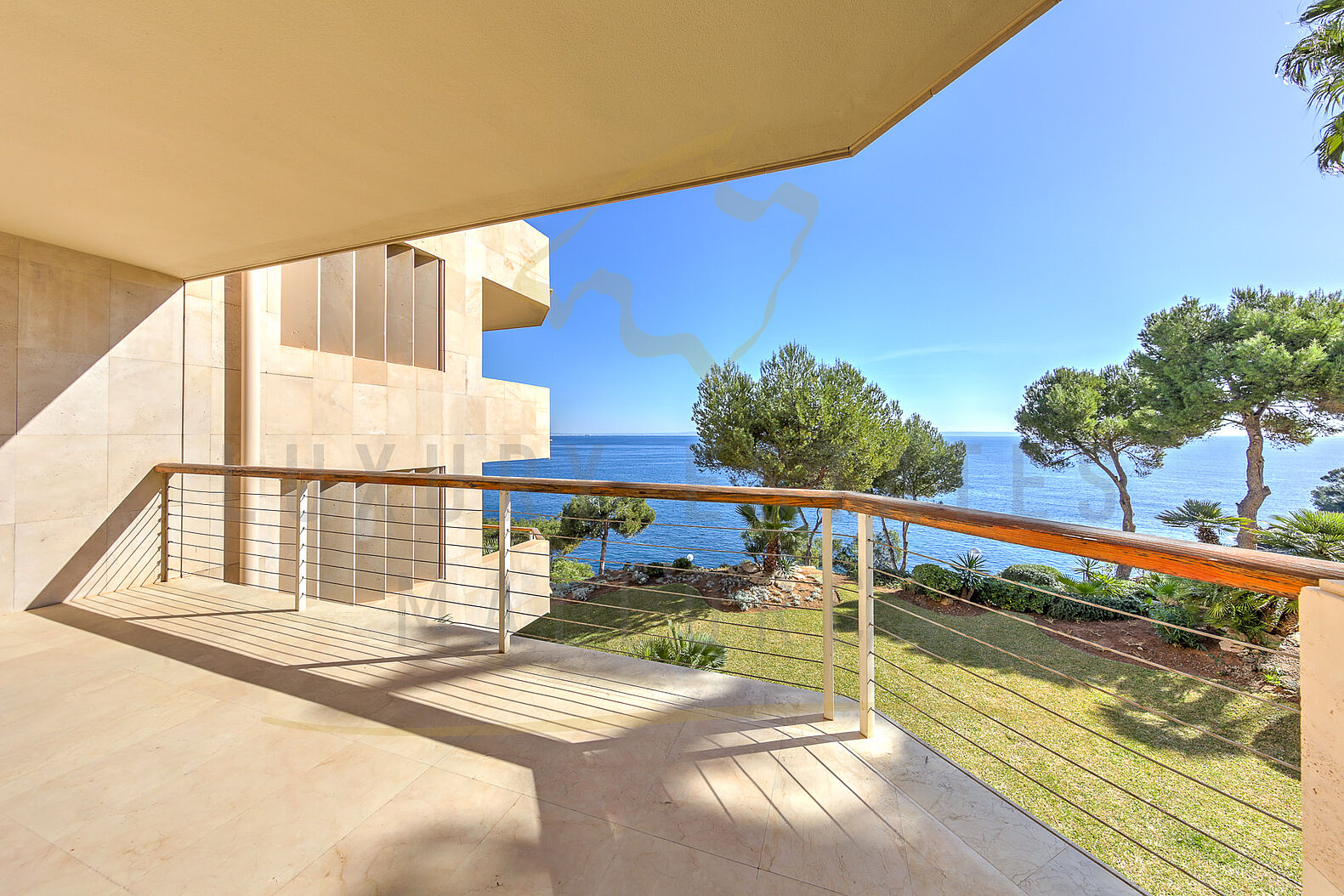 Apartment in Cala Vinyas in Mallorca in first sea line with sea access