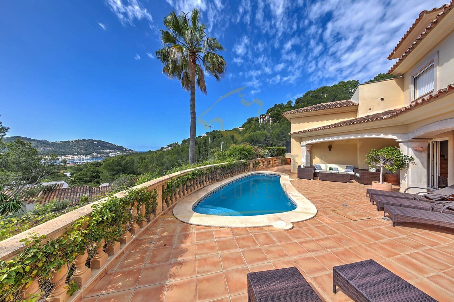 mallorca villa in puerto de andratx mit hafenblick kaufen. Black Bedroom Furniture Sets. Home Design Ideas